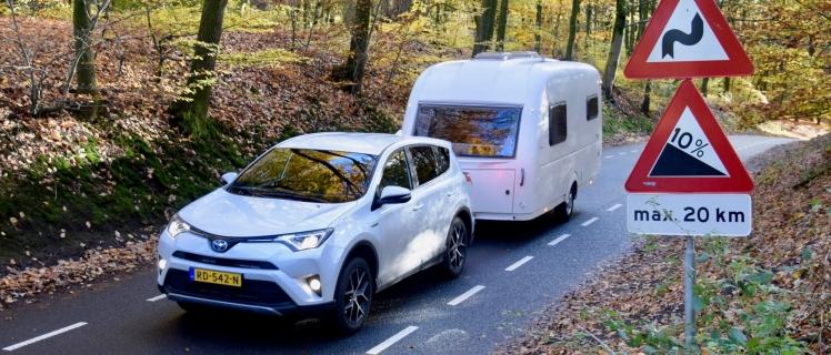 De Hybride Caravantrekker Toyota Rav4 Van Gent